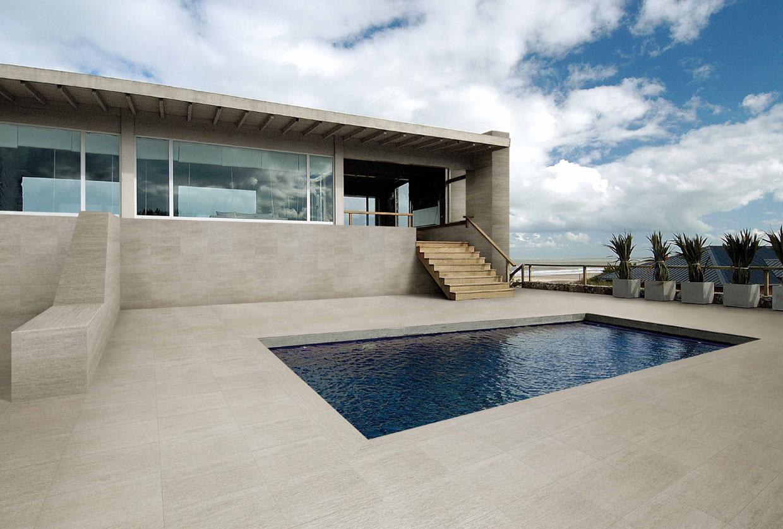 Pavimentazione piscine e bordi piscina for Bordi per piscina prezzi