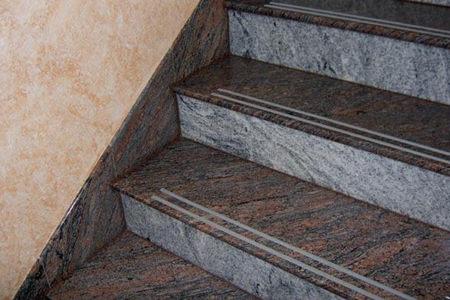 Amato Gradini per scale in pietra KQ75